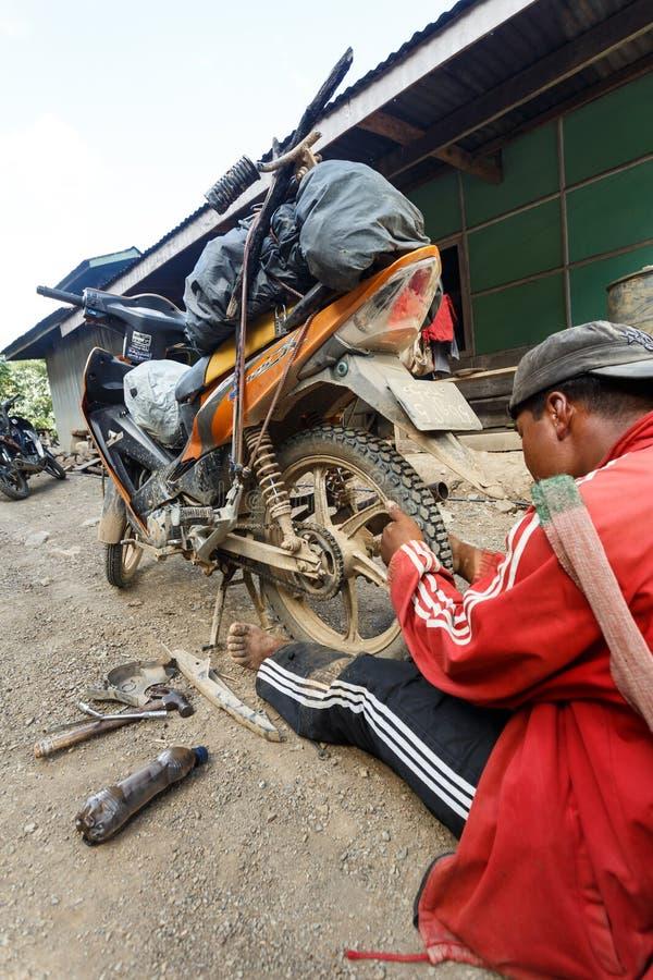 地方技工在钦邦,缅甸 免版税库存照片