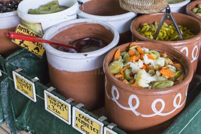 地方食物在干尼亚州,克利特,希腊 库存图片