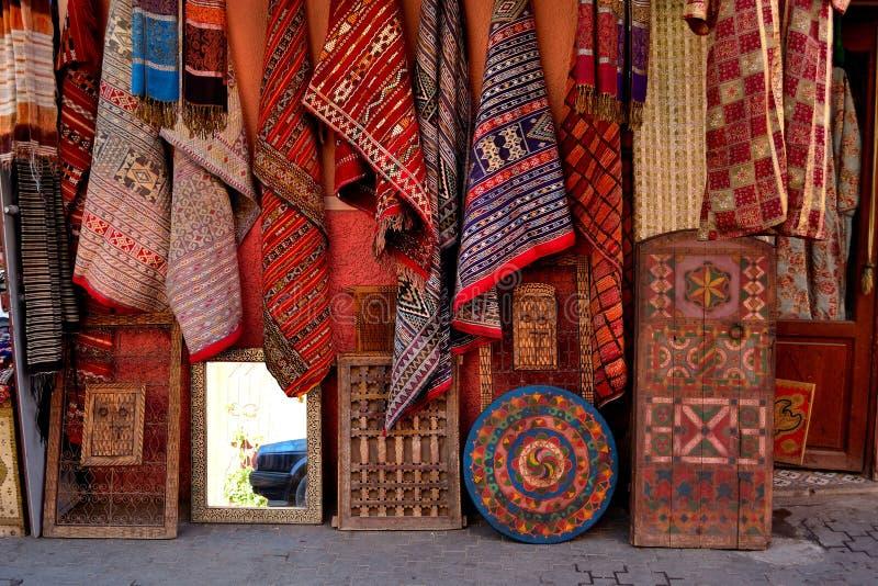地毯马拉喀什medina地毯存储 免版税库存图片