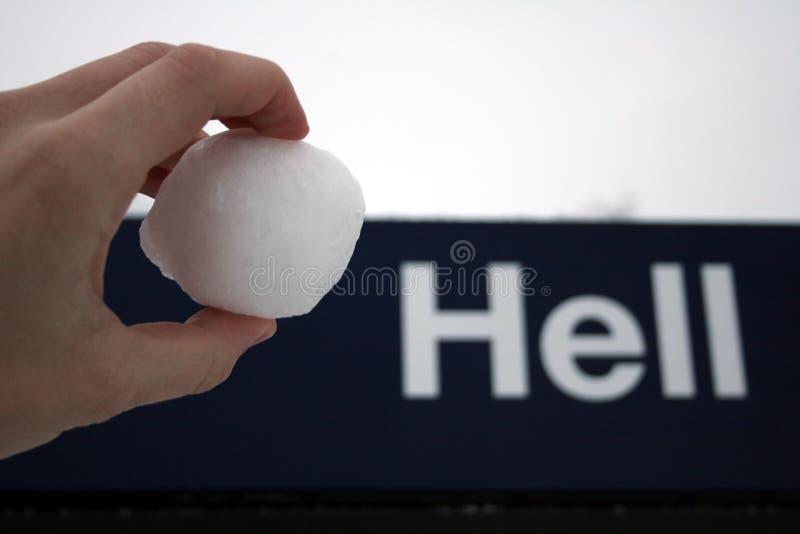 地狱喜欢雪球 免版税库存图片
