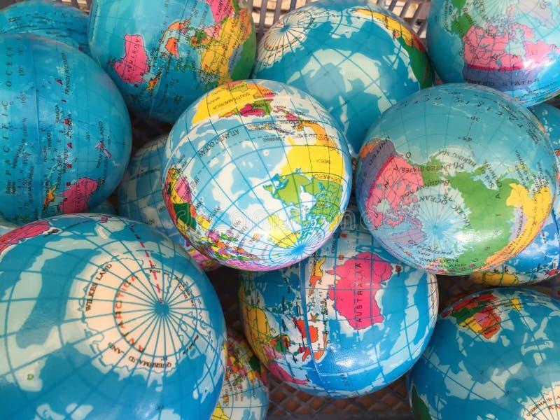 地球世界地图微型大小,背景 免版税库存图片