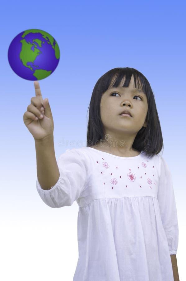 地球女孩推进年轻人 免版税库存照片