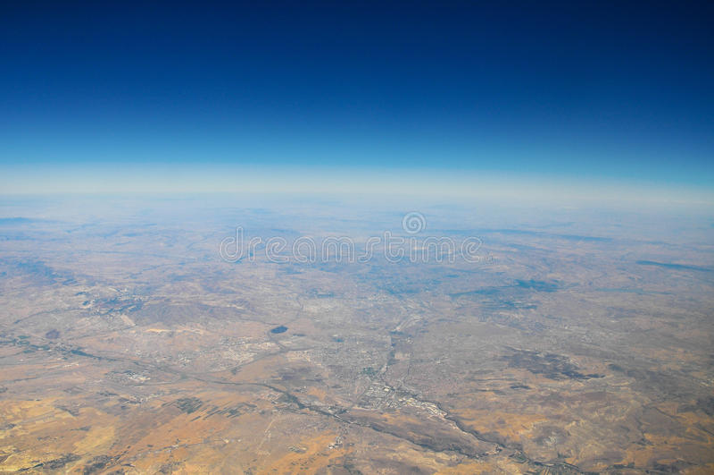 地球看法从飞机的在天空 库存照片