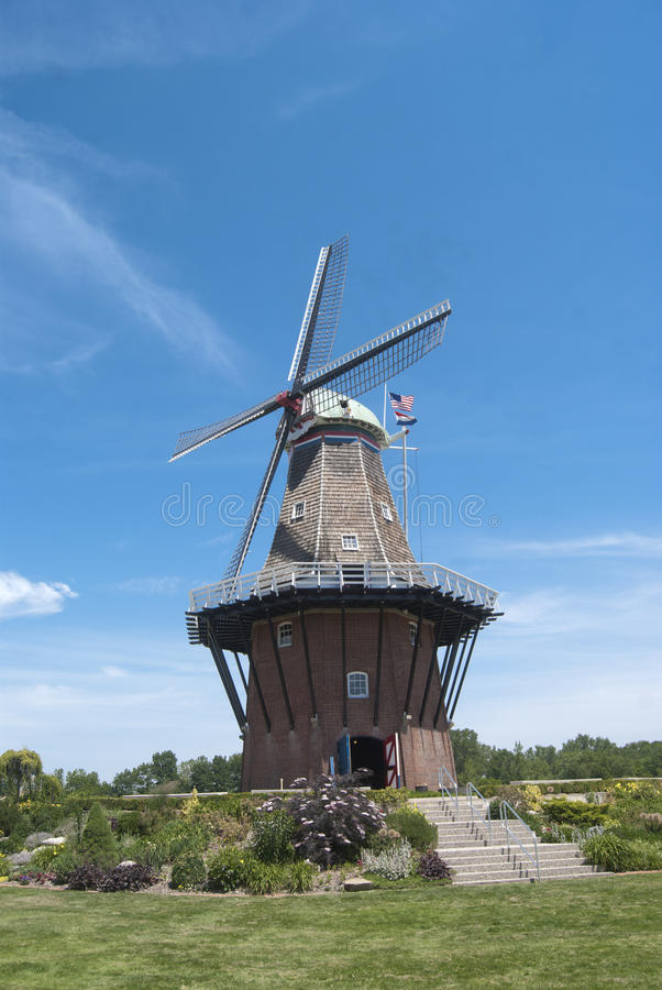 地道荷兰语风车在荷兰,密执安 库存图片