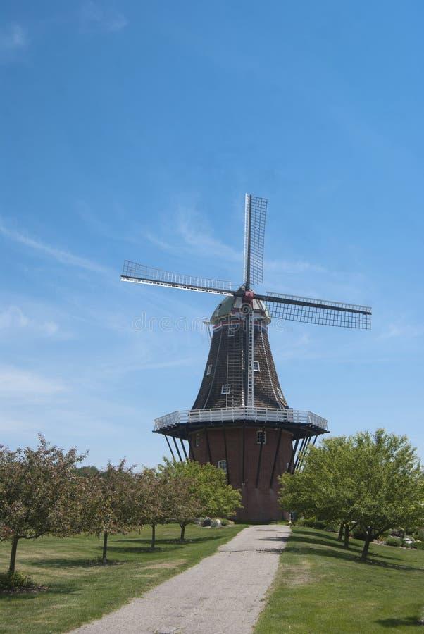 地道荷兰语风车在荷兰,密执安 免版税图库摄影