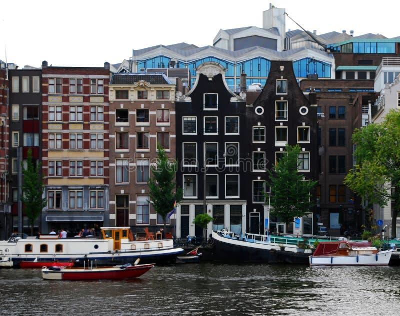 地道运河房子行在阿姆斯特丹,荷兰 库存图片