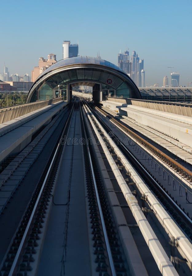 地铁地铁轨道在阿联酋 库存图片
