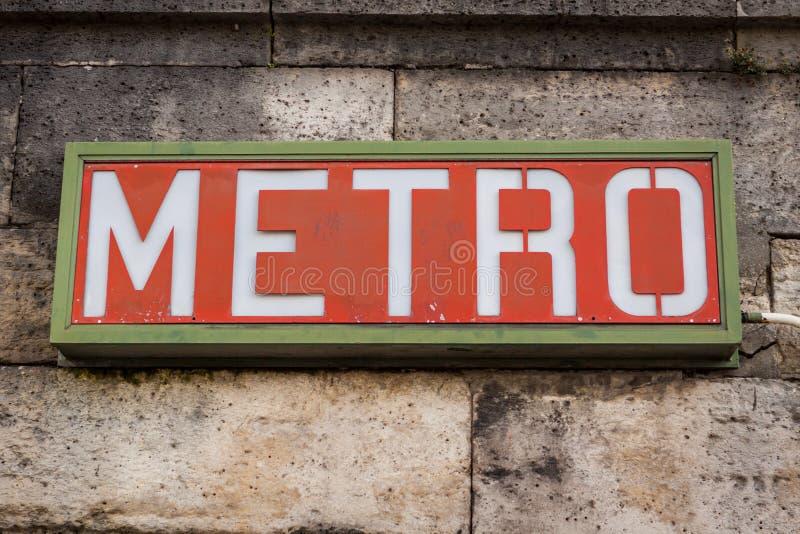 巴黎地铁标志 免版税图库摄影