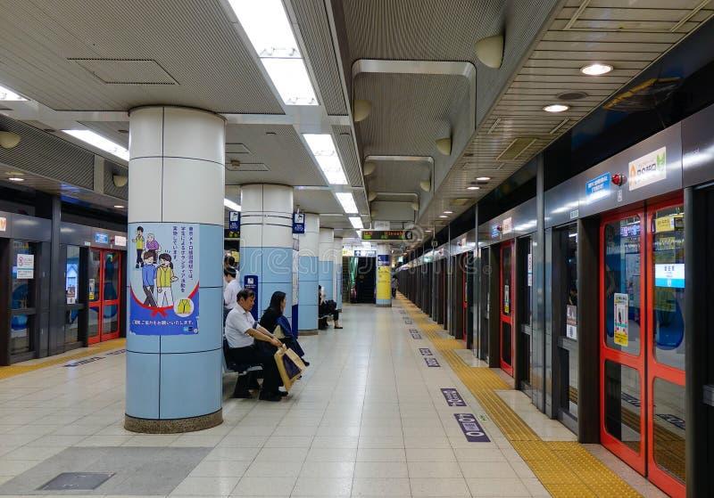 東京,日本- 2017年9月29日 一個地鐵站的人們在東京,日本 東京地鐵圖片