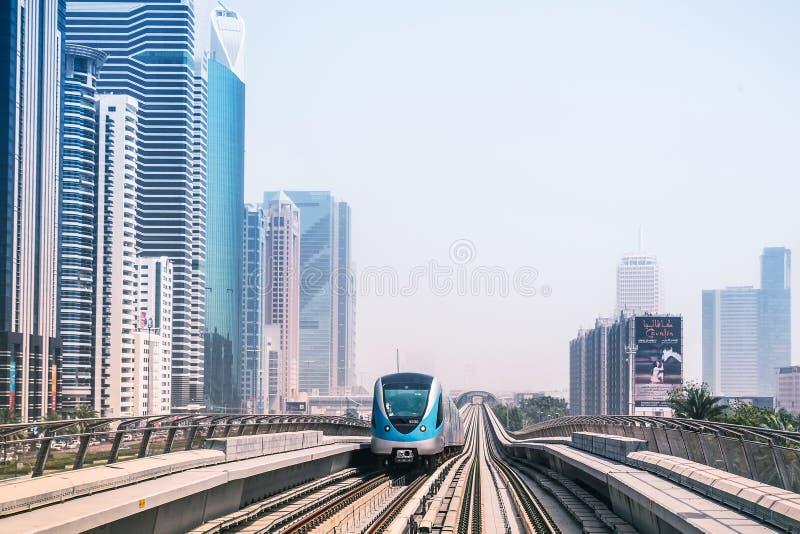 地铁线在迪拜 图库摄影