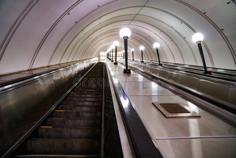 地铁自动扶梯,俄罗斯 库存图片
