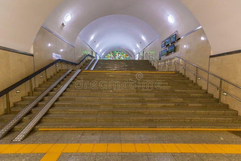 地铁车站阿尔玛蒂内部  免版税库存图片