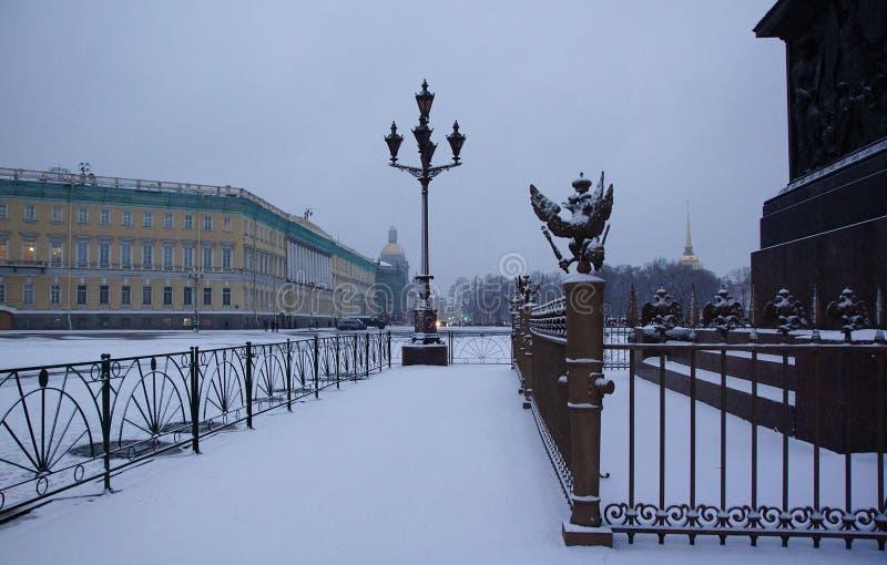 地铁车站Ligovsky Prospekt的平台 图库摄影