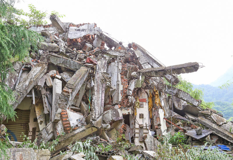 地震房子 免版税库存图片