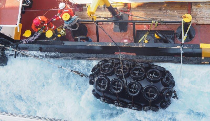 地震船或小船近海处在墨西哥湾,石油工业 免版税库存图片