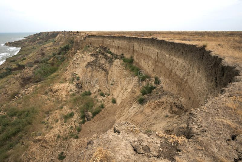 地面上形成的水成岩层数 在亚速号海的南部的海岸的露出 塔曼半岛,捷姆柳克 库存图片