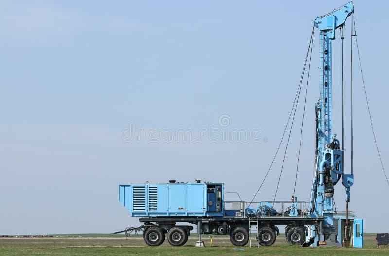 地质和石油勘探流动凿岩机车 免版税库存图片