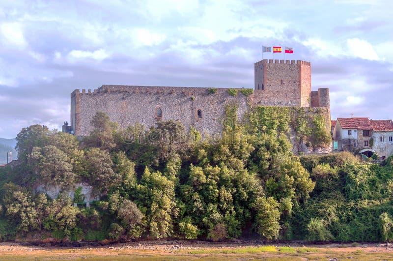 坎塔布里亚城堡  库存图片