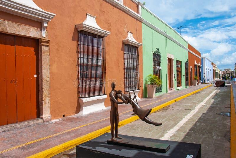 坎比其墨西哥的历史的中心的胡同 免版税库存图片