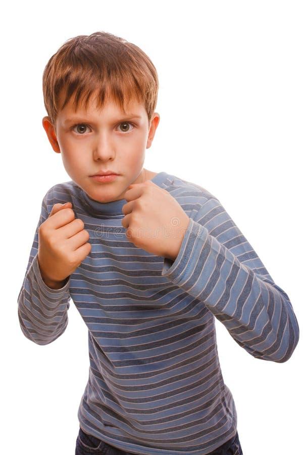 坏恶霸儿童男孩白肤金发的恼怒的积极的战斗 免版税图库摄影