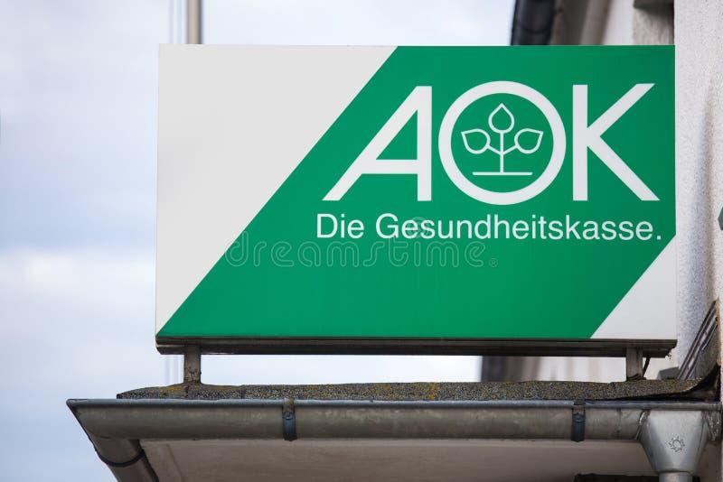 坏berleburg,北莱茵-威斯特伐利亚州/德国- 16 10 18 :在一个大厦的aok德国健康保险标志在坏berleburg德国 库存照片