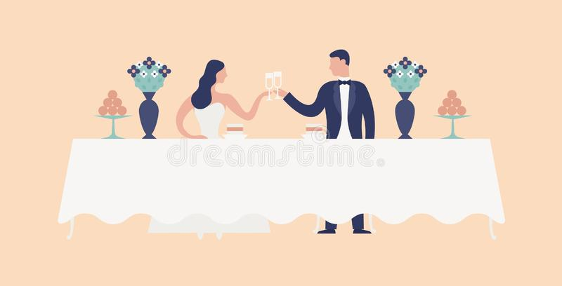 坐在婚姻的宴餐桌、使叮当响的玻璃和饮用的香槟上的新娘和新郎 逗人喜爱新婚佳偶庆祝 向量例证