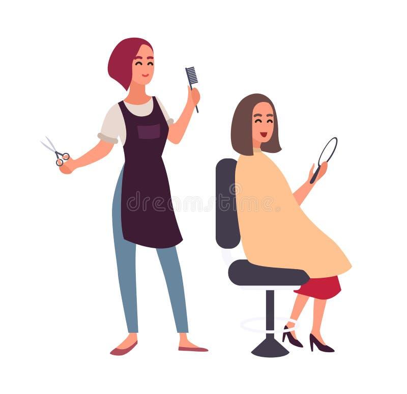坐在椅子和看在镜子的她愉快的客户的女性美发师切口头发 微笑的妇女  皇族释放例证