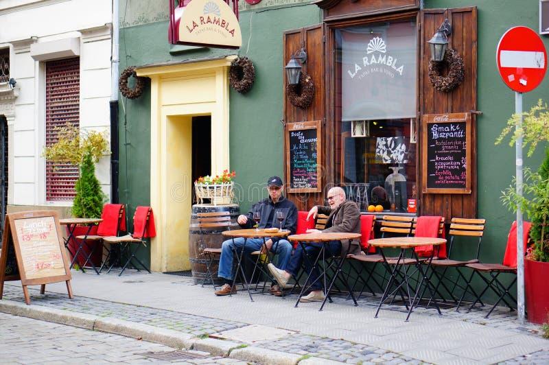 坐的人民 免版税图库摄影