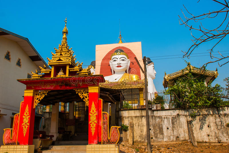 Download 坐Buddhas四个雕象  塔Kyaikpun菩萨 Bago,缅甸 缅甸 库存图片 - 图片 包括有 聚会所, 佛教: 72362649