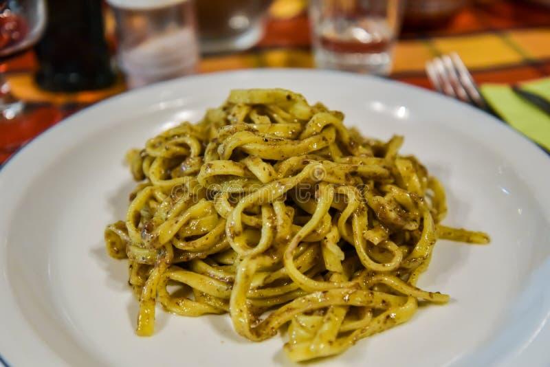 块菌面团在Agriturismo服务在巴斯利卡塔意大利 免版税库存照片