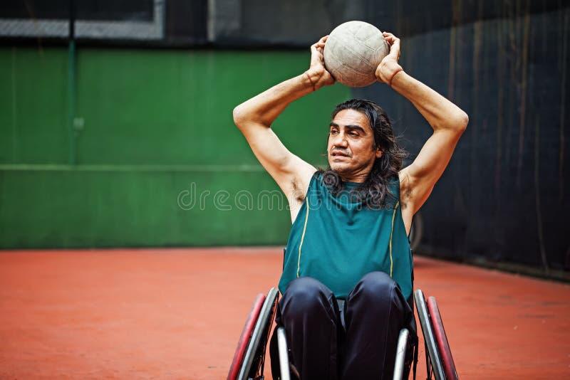 坚定的有残障的运动员 免版税库存照片