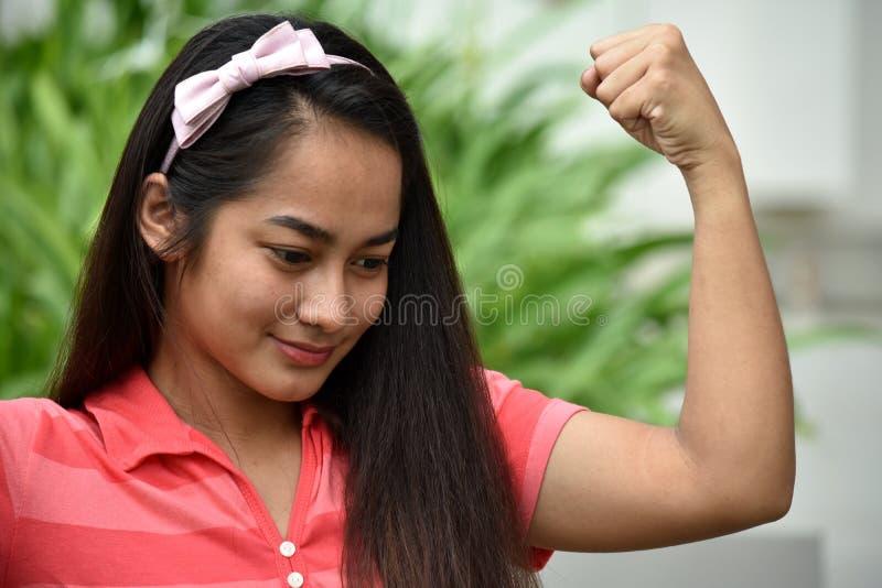 坚强的青少年的女孩 免版税图库摄影