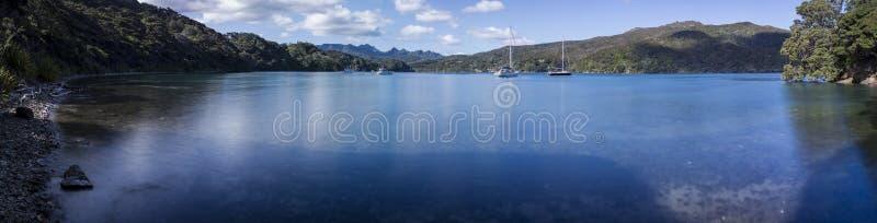 坟园海湾,极大的障碍海岛,新西兰 免版税库存照片