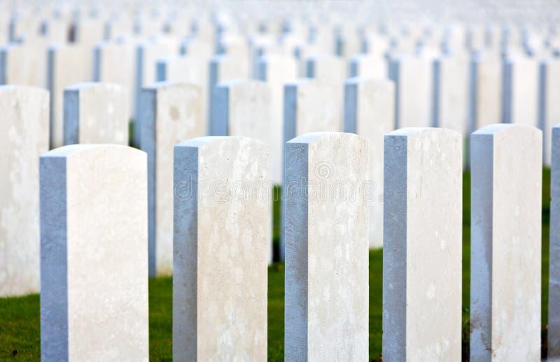坟墓伟大的战争墓石在富兰德调遣 库存照片