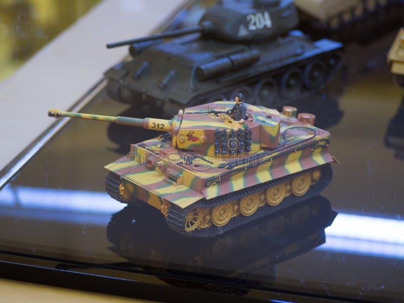 坦克塔米亚普遍的日本品牌玩具比例模型塑料缩样  库存图片