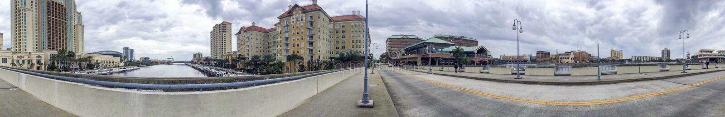 坦帕, FL - 2016年2月:沿城市街道的游人步行 tam 图库摄影