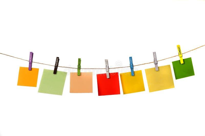 垂悬与命名日布料Pin的颜色备忘录 免版税库存照片
