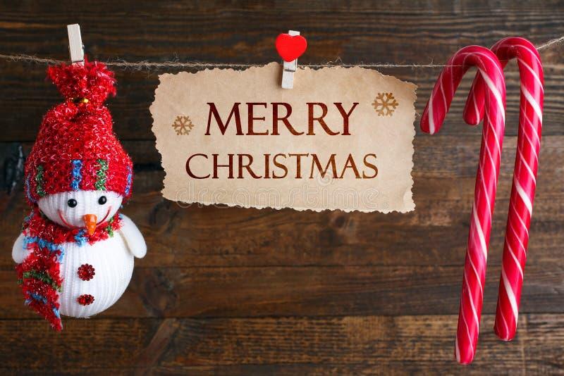 Download 垂悬在串的圣诞节装饰 库存图片. 图片 包括有 文本, 愉快, beautifuler, 没人, 欢乐, 晒衣夹 - 62537447