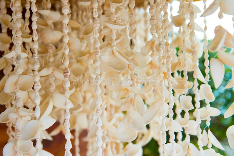 垂悬待售的贝壳项链在基韦斯特岛,美国 库存照片