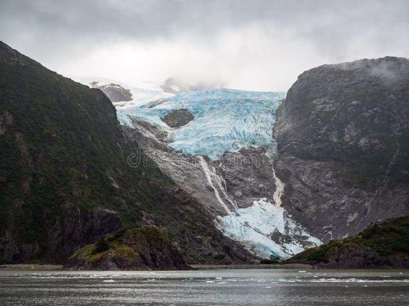 垂悬的冰川在Kenai海湾国家公园,阿拉斯加 库存照片