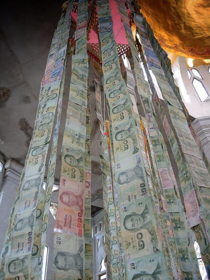 垂悬的泰国钞票 图库摄影