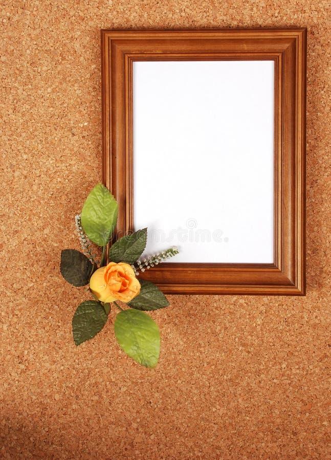 垂直空白框架的玫瑰 免版税图库摄影