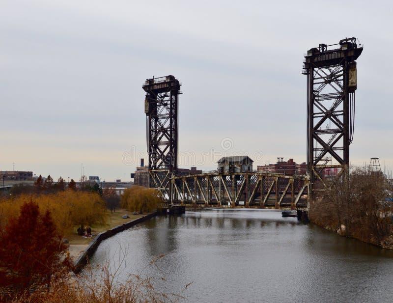 垂直的桥梁 库存照片