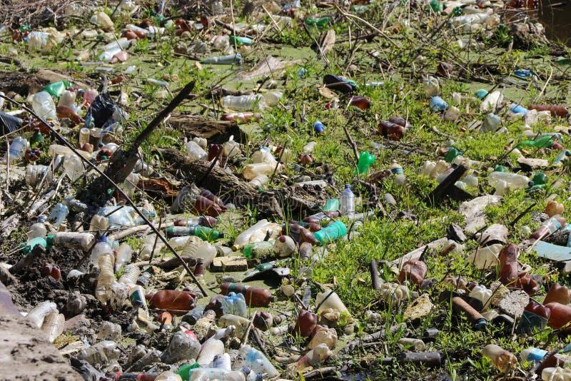 垃圾在河,巨型环境污染堆