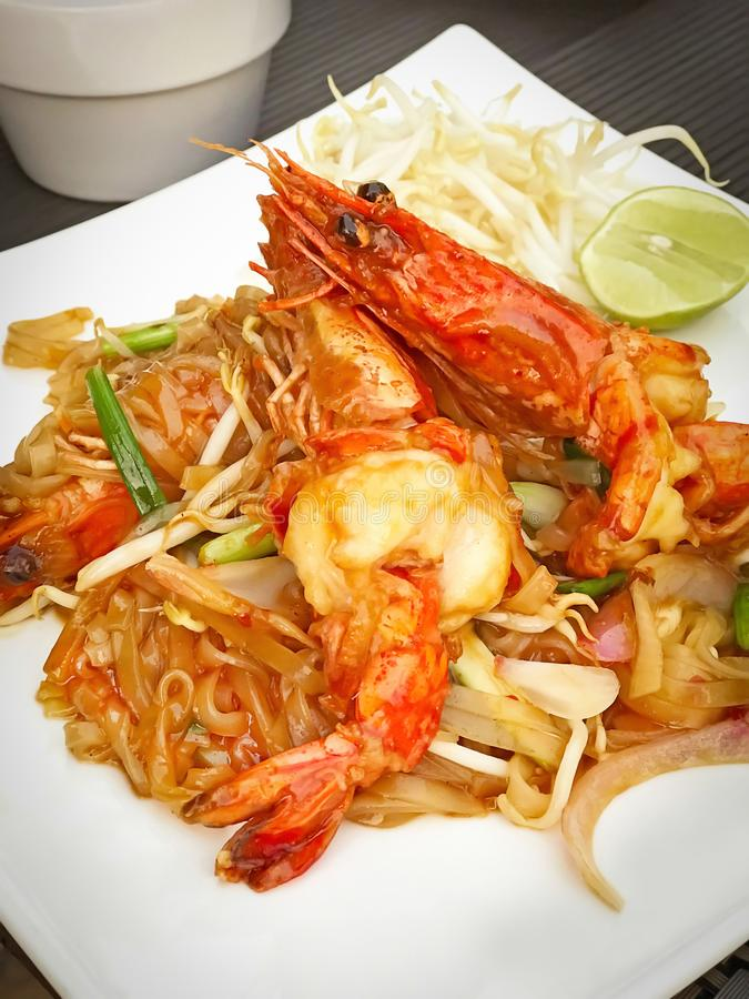 垫泰国面条,泰国普遍的食物 免版税库存图片