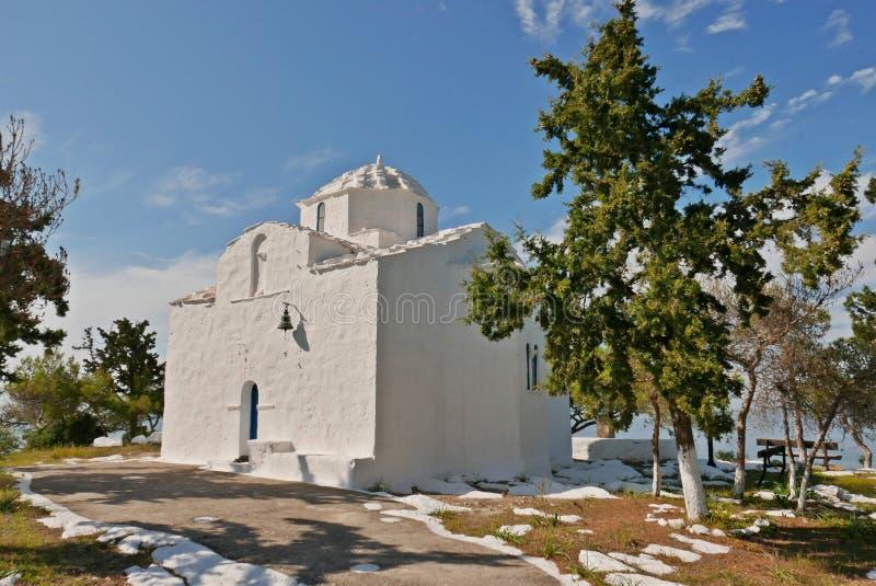 埃伊纳岛白色教会 图库摄影