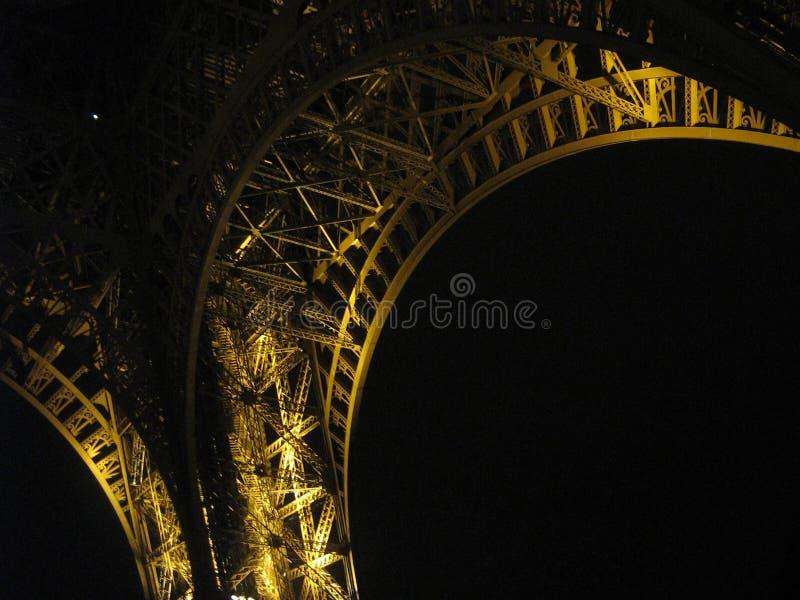 埃佛尔铁塔的片断在晚上 免版税库存照片
