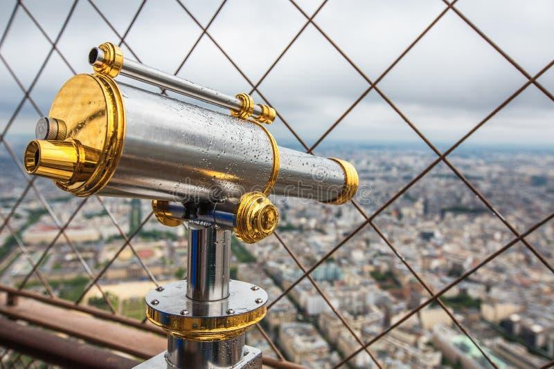 埃佛尔铁塔的观察望远镜 法国巴黎 库存照片