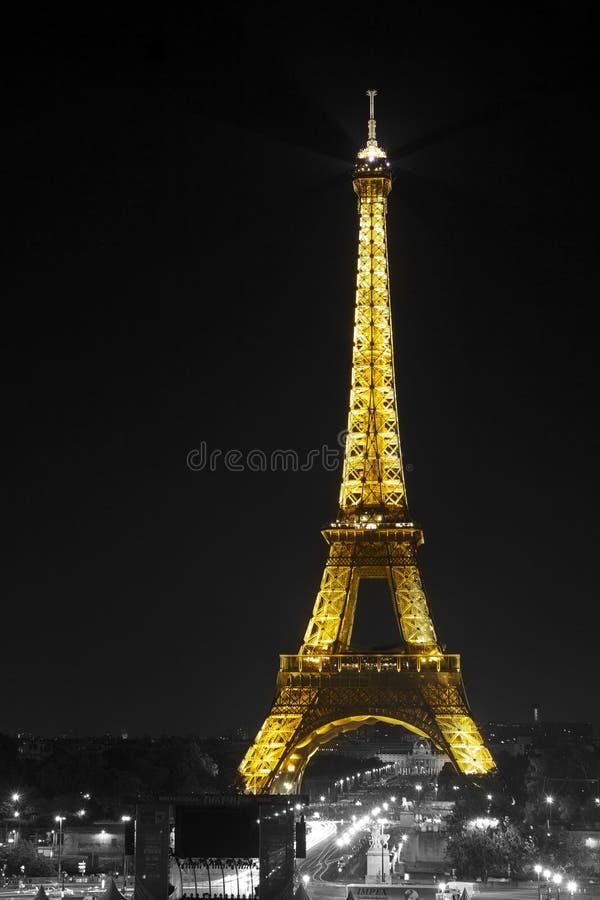 Download 埃佛尔铁塔 编辑类图片. 图片 包括有 巴黎, 埃菲尔, 欧洲, 结构, 旅行, 法国, 晚上, 拱道, 布琼布拉 - 15699040