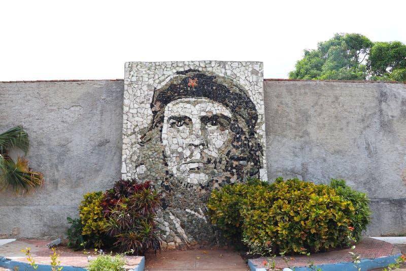 埃内斯托切・格瓦拉壁画在马坦萨斯,接近巴拉德罗角,古巴 免版税图库摄影